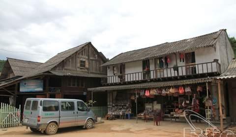 Ta Phin brocade village