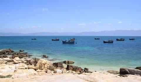 Lao Cau Islet