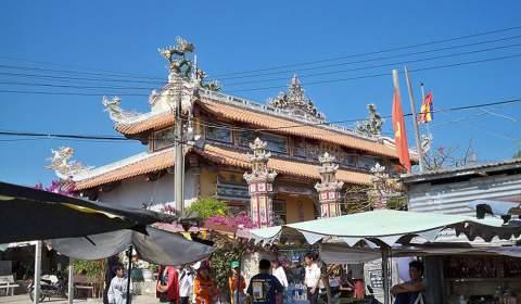 Co Thach Pagoda
